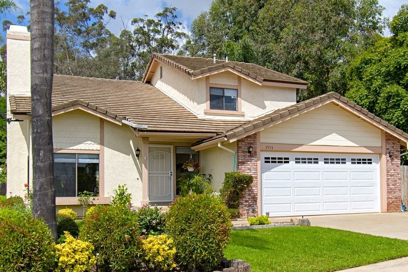 Main Photo: NORTH ESCONDIDO House for sale : 4 bedrooms : 1513 N Elm in Escondido