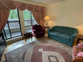 """Photo 2: 301 333 WETHERSFIELD Drive in Vancouver: South Cambie Condo for sale in """"LANGARA COURT"""" (Vancouver West)  : MLS®# R2593558"""