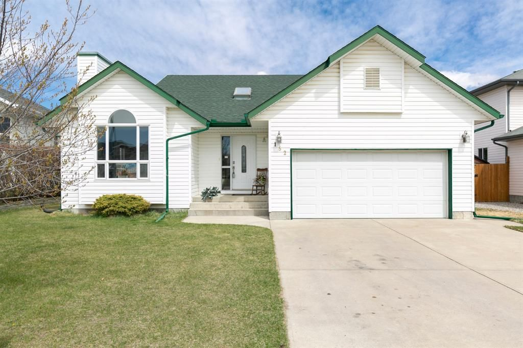 Main Photo: 152 Harrison Court: Crossfield Detached for sale : MLS®# A1098091