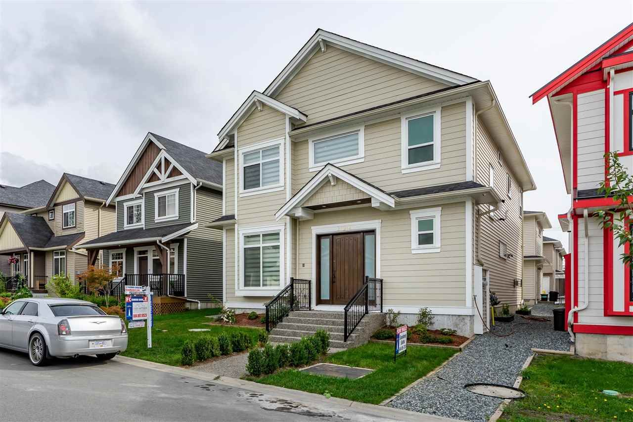 """Main Photo: 27916 CONDUCTOR Drive in Abbotsford: Aberdeen House for sale in """"Aberdeen"""" : MLS®# R2405462"""