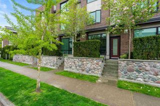 Photo 3: 10 230 SALTER Street in New Westminster: Queensborough Townhouse for sale : MLS®# R2575851