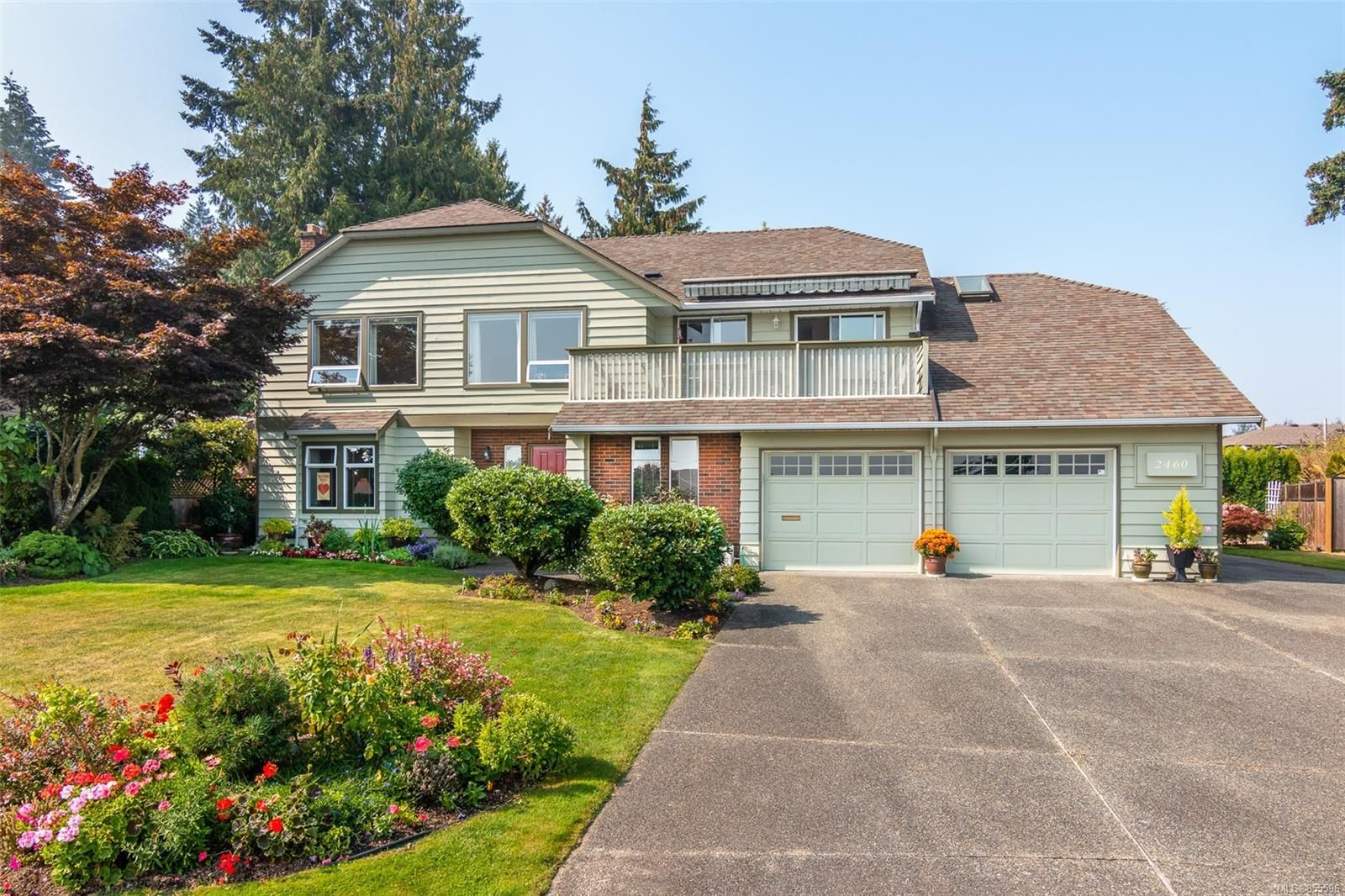 Main Photo: 2460 Costa Vista Pl in : CS Tanner House for sale (Central Saanich)  : MLS®# 855596