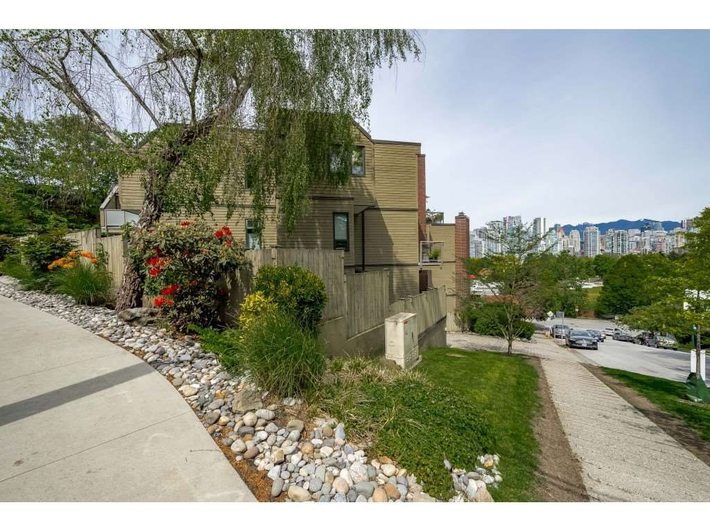 Main Photo: 102 1005 W 7TH AVENUE in : Fairview VW Condo for sale (Vancouver West)  : MLS®# R2369513