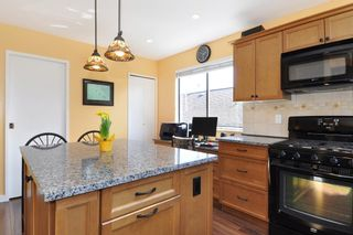Photo 10: 115 N HOLDOM Avenue in Burnaby: Capitol Hill BN House for sale (Burnaby North)  : MLS®# R2152948
