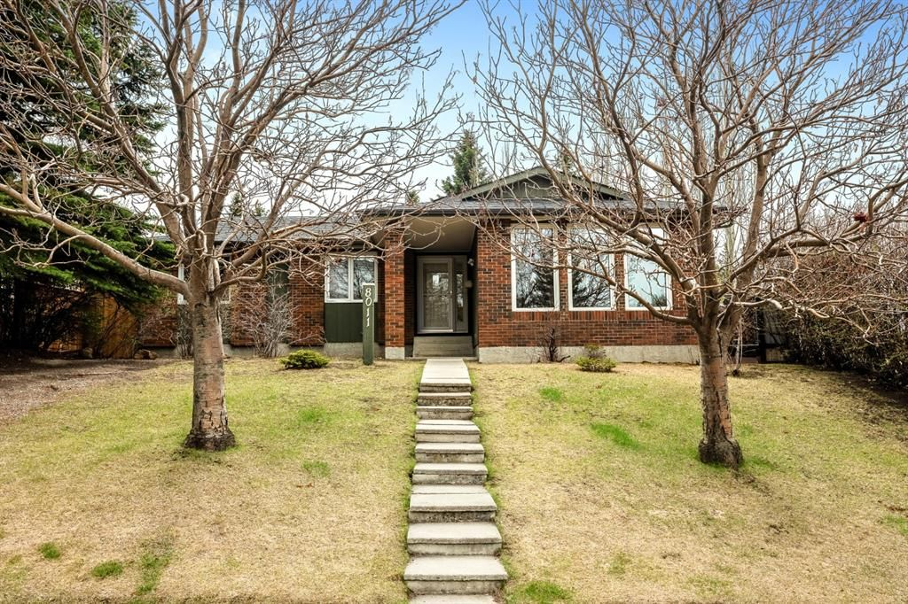 Main Photo: 8011 Silver Springs Road NW in Calgary: Silver Springs Detached for sale : MLS®# A1106791