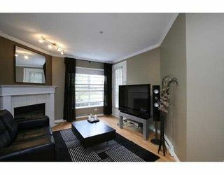 Photo 4: 110 509 Carnarvon Street in New Westminster: Downtown NW Condo for sale : MLS®# V826956