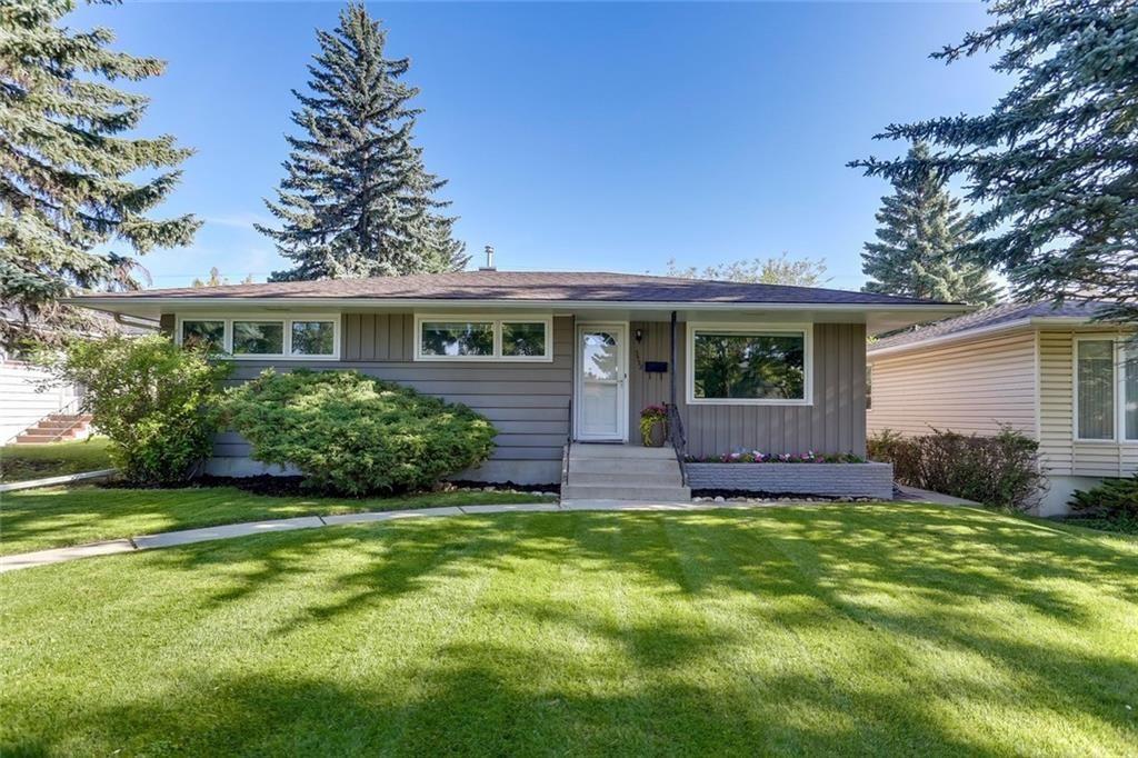 Main Photo: 3532 35 Avenue SW in Calgary: Rutland Park Detached for sale : MLS®# C4268473