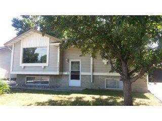 Photo 2: 1763 66 Avenue SE in CALGARY: Lynnwood_Riverglen Residential Detached Single Family for sale (Calgary)  : MLS®# C3627836