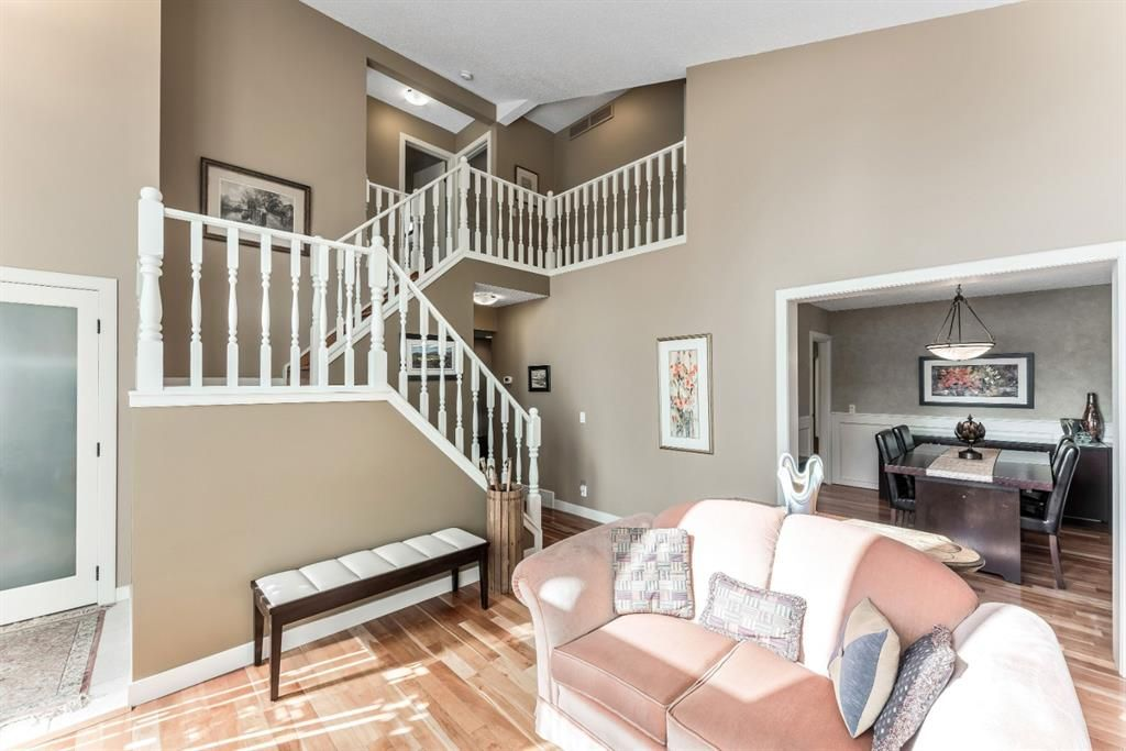 Photo 9: Photos: 84 WOODBROOK Close SW in Calgary: Woodbine Detached for sale : MLS®# A1037845