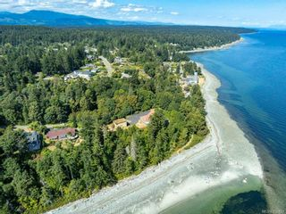 Photo 4: 5684 Seacliff Rd in : CV Comox Peninsula House for sale (Comox Valley)  : MLS®# 852423