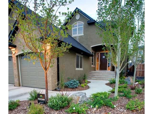 Main Photo: 11 EVERGREEN Avenue SW in CALGARY: Shawnee Slps Evergreen Est Residential Detached Single Family for sale (Calgary)  : MLS®# C3465623