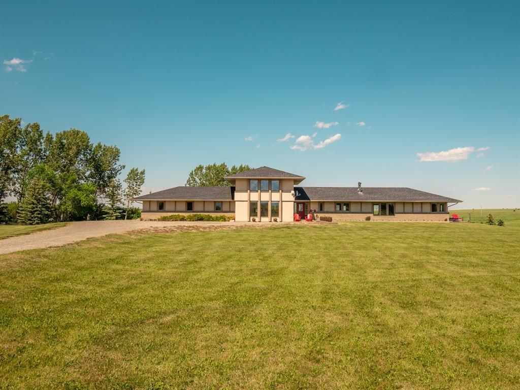 Main Photo: For Sale: 28224 Hwy 505, Rural Pincher Creek No. 9, M.D. of, T0K 1W0 - A1122504