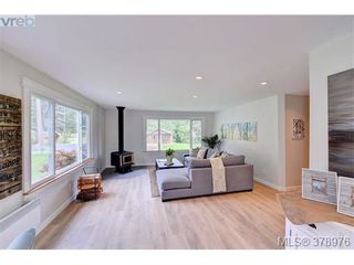 Photo 4: 354 Conway Rd in VICTORIA: SW Interurban House for sale (Saanich West)  : MLS®# 761063
