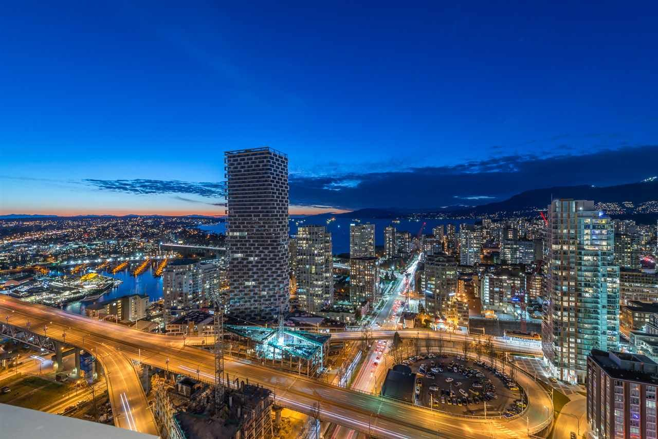 "Main Photo: 3507 1480 HOWE Street in Vancouver: Yaletown Condo for sale in ""VANCOUVER HOUSE"" (Vancouver West)  : MLS®# R2445993"