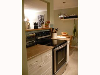 """Photo 2: 209 515 11TH Street in New Westminster: Uptown NW Condo for sale in """"MAGNOLIA MANOR"""" : MLS®# V814496"""