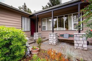 Photo 5: 3345 Roberlack Rd in VICTORIA: Co Wishart South House for sale (Colwood)  : MLS®# 797590
