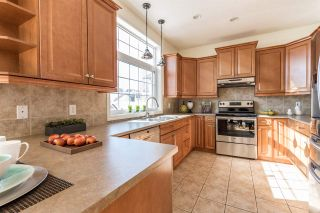 Photo 4: 11729 71A Avenue NW in Edmonton: Zone 15 House for sale : MLS®# E4251167