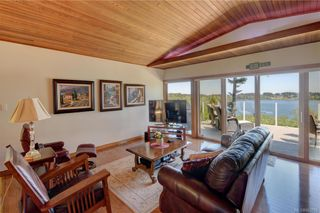 Photo 9: 5537 Forest Hill Rd in : SW West Saanich House for sale (Saanich West)  : MLS®# 853792