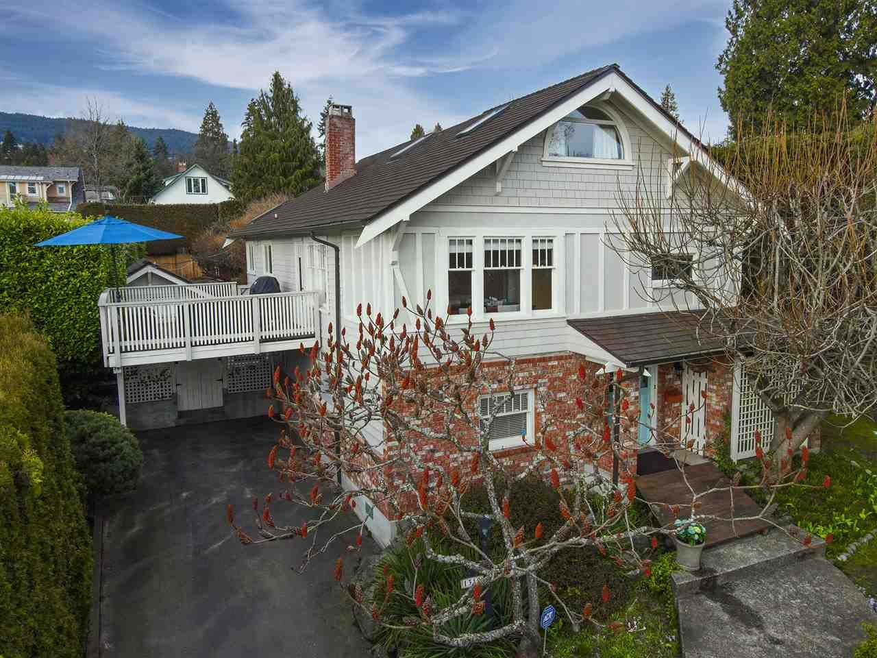 """Main Photo: 1319 FULTON Avenue in West Vancouver: Ambleside House for sale in """"Ambleside Village"""" : MLS®# R2575557"""