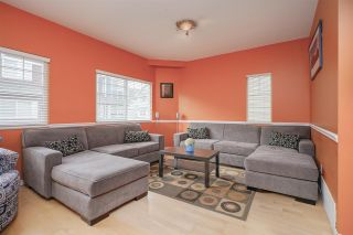 "Photo 2: 21 1108 RIVERSIDE Close in Port Coquitlam: Riverwood Townhouse for sale in ""HERITAGE MEADOWS"" : MLS®# R2396289"