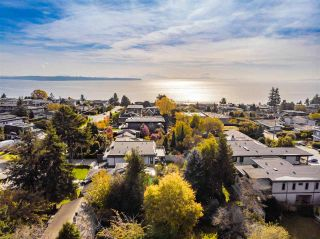 """Photo 7: 14376 NORTH BLUFF Road: White Rock House for sale in """"WEST WHITE ROCK"""" (South Surrey White Rock)  : MLS®# R2513653"""