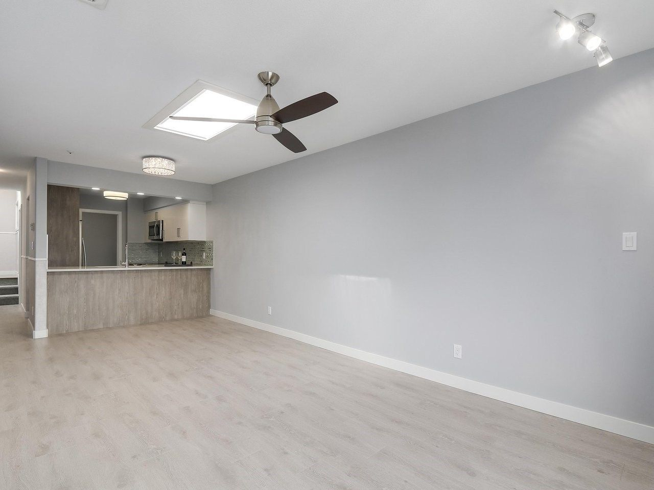 """Main Photo: 312 4893 CLARENDON Street in Vancouver: Collingwood VE Condo for sale in """"CLARENDON PLACE"""" (Vancouver East)  : MLS®# R2216672"""