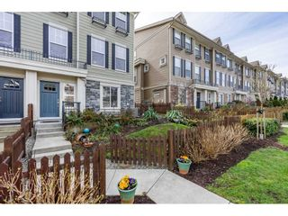 """Photo 4: 21154 80A Avenue in Langley: Willoughby Heights Condo for sale in """"Yorkville"""" : MLS®# R2552209"""
