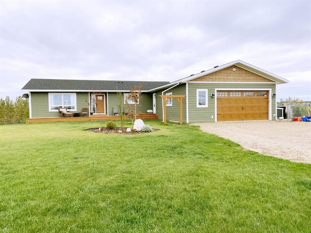 Main Photo: 25329 E Township Road 384 in Rural Lacombe County: NONE Residential for sale : MLS®# A1076019