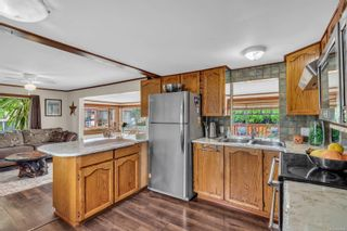 Photo 4: 8 2705 N Island Hwy in : CR Campbell River North Manufactured Home for sale (Campbell River)  : MLS®# 884406