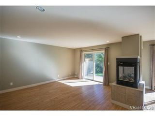 Photo 7: 3229 Ernhill Pl in VICTORIA: La Walfred Row/Townhouse for sale (Langford)  : MLS®# 713582