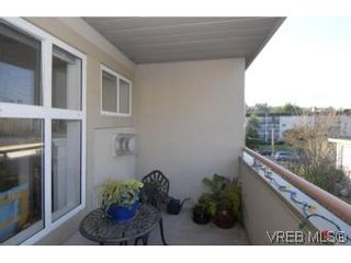 Photo 10: 301 1580 Christmas Ave in VICTORIA: SE Mt Tolmie Condo for sale (Saanich East)  : MLS®# 489978