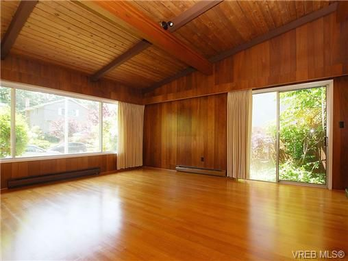 Photo 11: Photos: 3815 Campus Crescent in VICTORIA: SE Mt Tolmie Residential for sale (Saanich East)  : MLS®# 336697