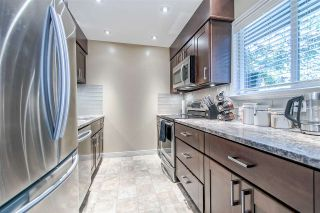 """Photo 2: 862 BLACKSTOCK Road in Port Moody: North Shore Pt Moody Townhouse for sale in """"WOODSIDE VILLAGE"""" : MLS®# R2395693"""