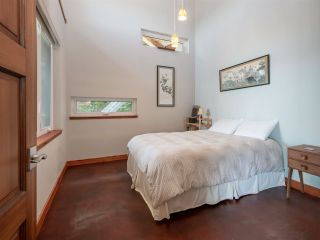 "Photo 16: 1512 TIDEVIEW Road in Gibsons: Gibsons & Area House for sale in ""LANGDALE"" (Sunshine Coast)  : MLS®# R2535465"