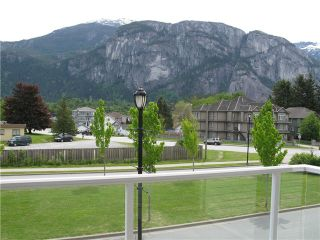 "Photo 7: 211 1203 PEMBERTON Avenue in Squamish: Downtown SQ Condo for sale in ""EAGLEGROVE"" : MLS®# V1064733"