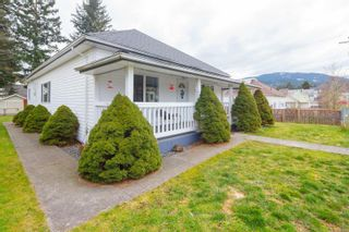 Photo 2: 225 Roberts St in : Du Ladysmith House for sale (Duncan)  : MLS®# 869226
