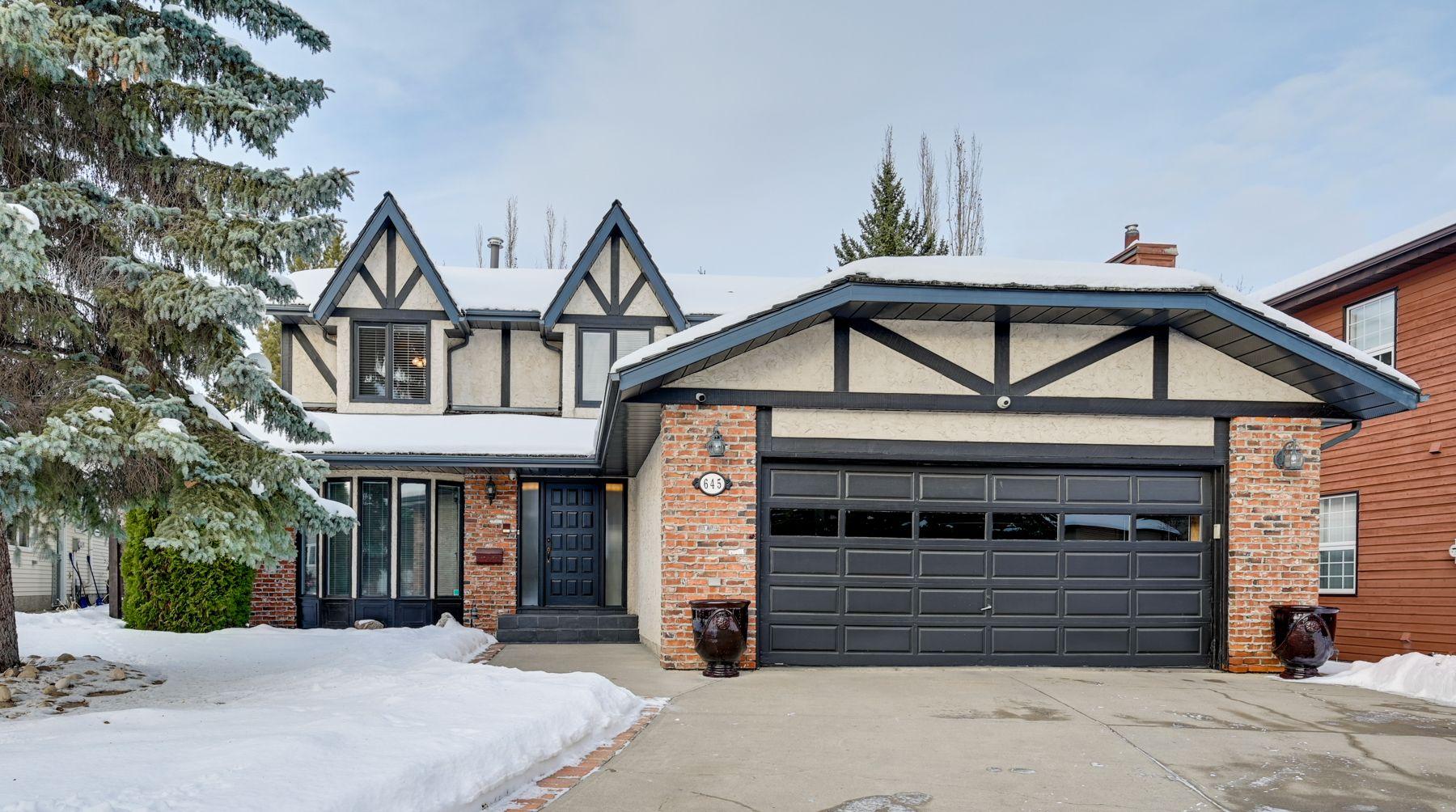 Main Photo: 645 Romaniuk Road in Edmonton: House for sale