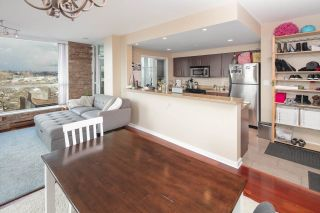 """Photo 4: 902 189 NATIONAL Avenue in Vancouver: Mount Pleasant VE Condo for sale in """"SUSSEX BY Bosa"""" (Vancouver East)  : MLS®# R2141629"""