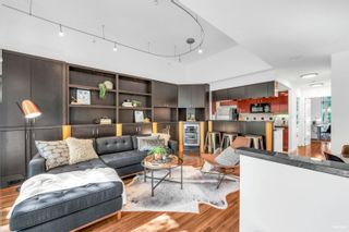 Photo 3: 2G 1067 MARINASIDE Crescent in Vancouver: Yaletown Townhouse for sale (Vancouver West)  : MLS®# R2618967