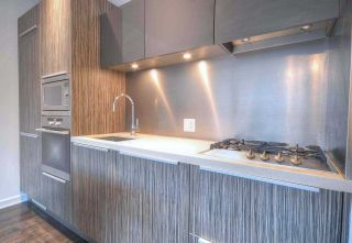 """Photo 6: 304 123 W 1ST Avenue in Vancouver: False Creek Condo for sale in """"COMPASS"""" (Vancouver West)  : MLS®# R2554885"""