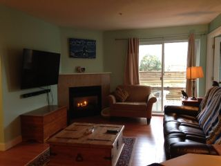 Photo 2: 36 689 PARK Road in Gibsons: Gibsons & Area Condo for sale (Sunshine Coast)  : MLS®# R2141660