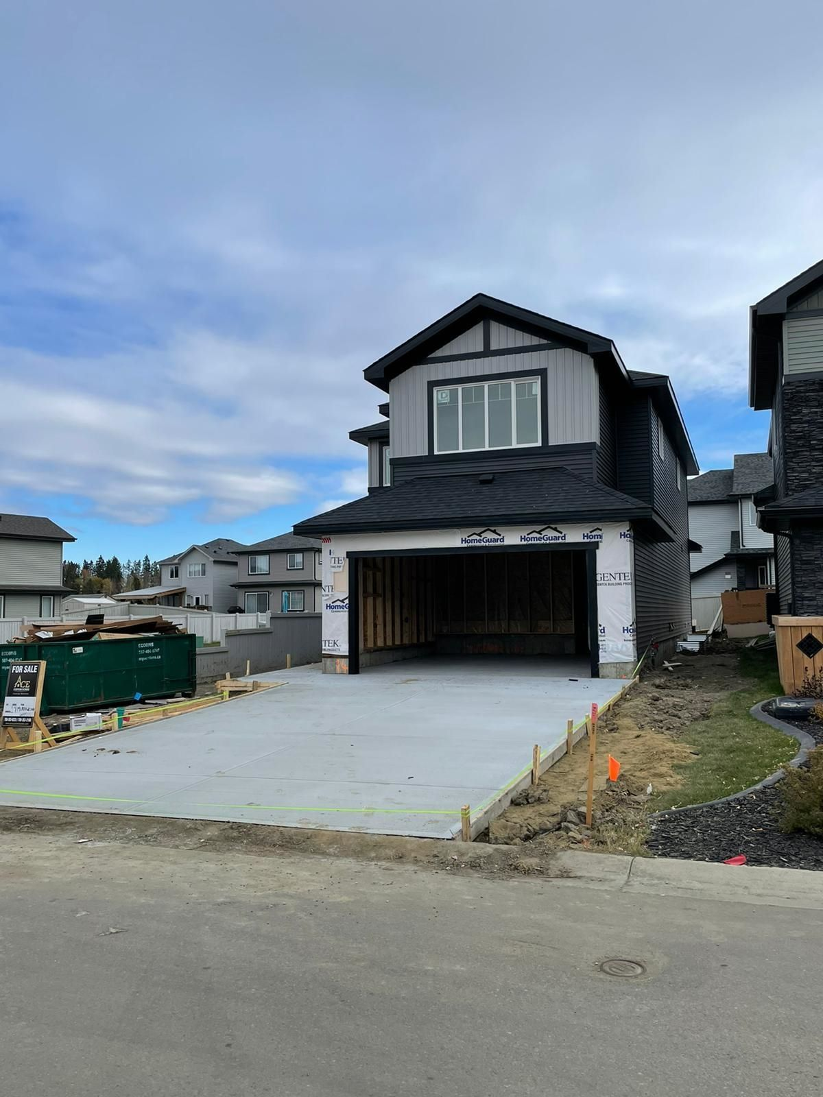 Main Photo: 14 MEADOWLINK Common: Spruce Grove House for sale : MLS®# E4259511