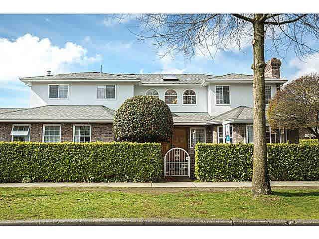 "Main Photo: 5825 MAPLE Street in Vancouver: Kerrisdale House for sale in ""KERRISDALE"" (Vancouver West)  : MLS®# V1113298"