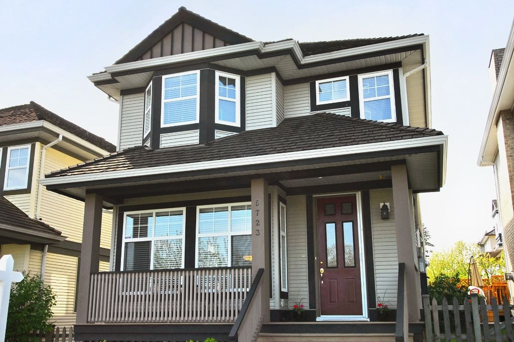 Lovingly maintained & updated 3 bedroom & den home overlooks Panorama Village Park out toward Mt. Baker.  Note the front porch for relaxing & watching the world go by; retractable screen door lets breezes in & keeps insects out.