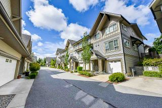 """Photo 4: 83 2501 161A Street in Surrey: Grandview Surrey Townhouse for sale in """"Highland"""" (South Surrey White Rock)  : MLS®# R2378719"""