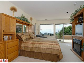 "Photo 6: 15552 COLUMBIA Avenue: White Rock House for sale in ""East Beach"" (South Surrey White Rock)  : MLS®# F1114250"