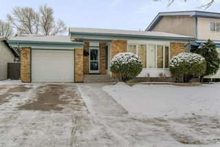 Photo 2: 95 Malmsbury Avenue in Winnipeg: River Park South Residential for sale (2F)  : MLS®# 202028338