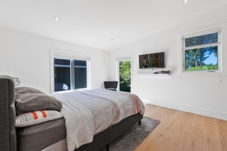 Photo 26: 1038 STEVENS Street: White Rock House for sale (South Surrey White Rock)  : MLS®# R2622208