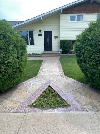 Photo 2: For Sale: 1101 Great Lakes Road S, Lethbridge, T1K 3N7 - A1127813
