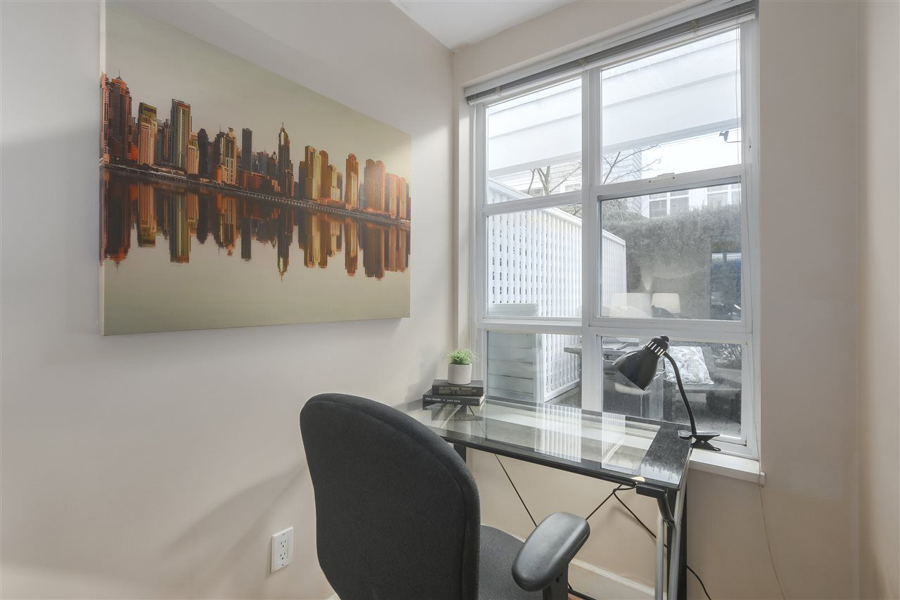 """Photo 11: Photos: 103 657 W 7TH Avenue in Vancouver: Fairview VW Townhouse for sale in """"THE IVYS"""" (Vancouver West)  : MLS®# R2348649"""